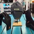 SUP-Test-Kappe-Schuhe-Handschuhe